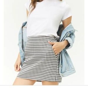 NWT Forever 21 Houndstooth Mini Skirt